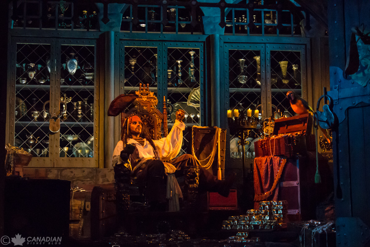 Pirates of the Caribbean - Jack Sparrow in the Treasure Room