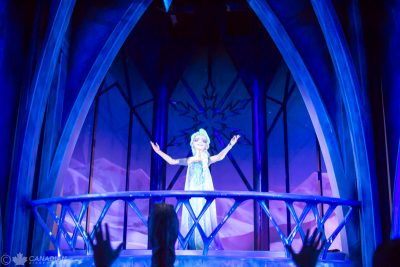 Frozen Ever After - Elsa singing Let It Go