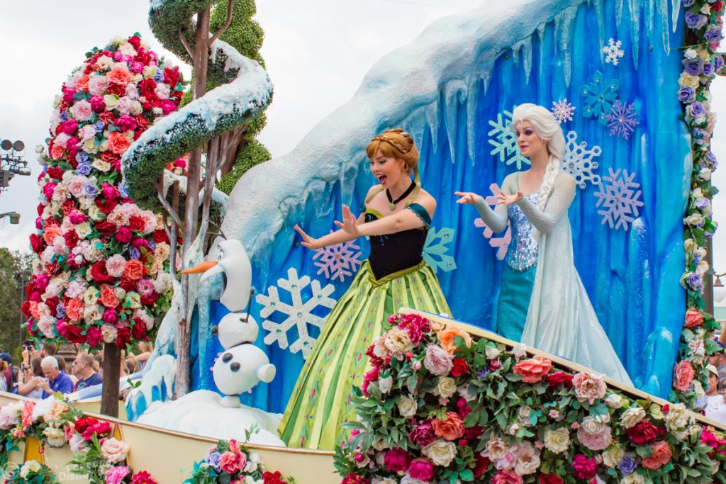 Anna and Elsa in the Festival of Fantasy Parade