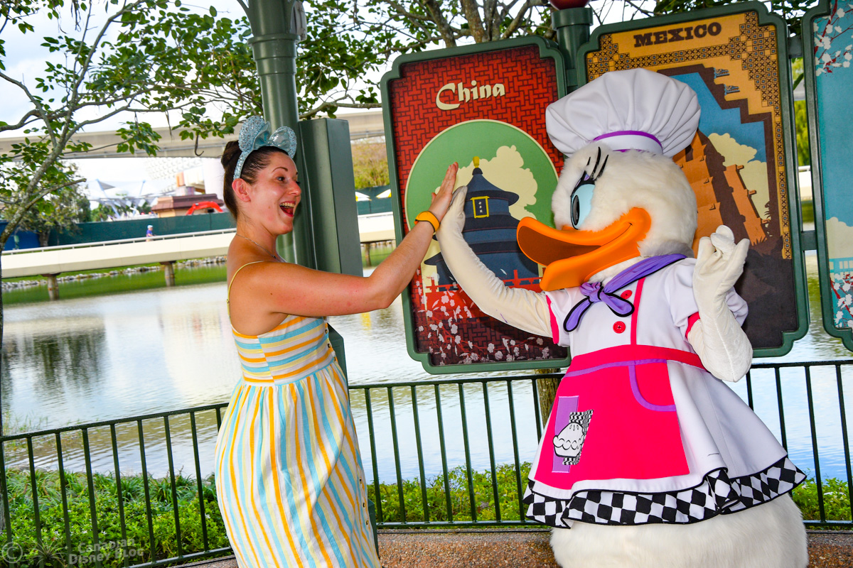 Lauren meets Daisy at Epcot Food and Wine Festival