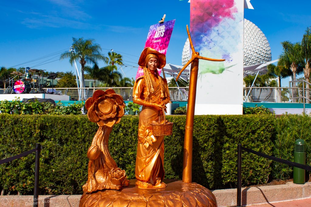 Living Statue at Epcot Festival of the Arts